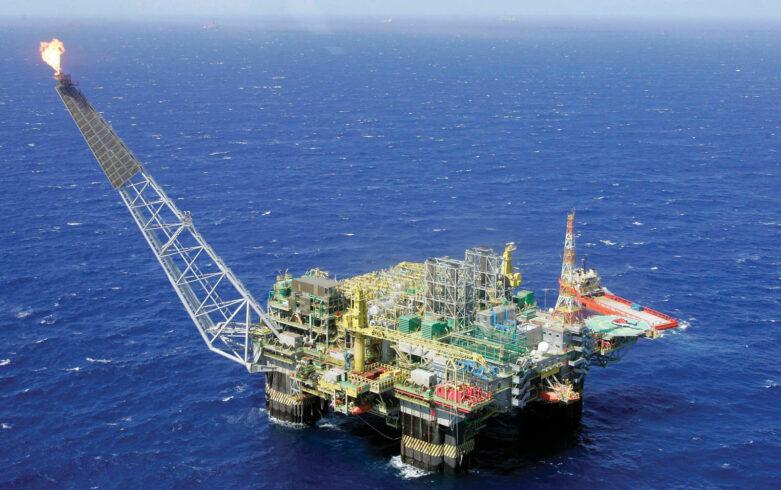 Petrobras exerece direito de preferência sob três plataformas do pré-sal