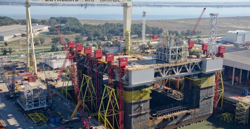 Empresa monstruosa no ramo de óleo e gás abriu muitas oportunidades hoje