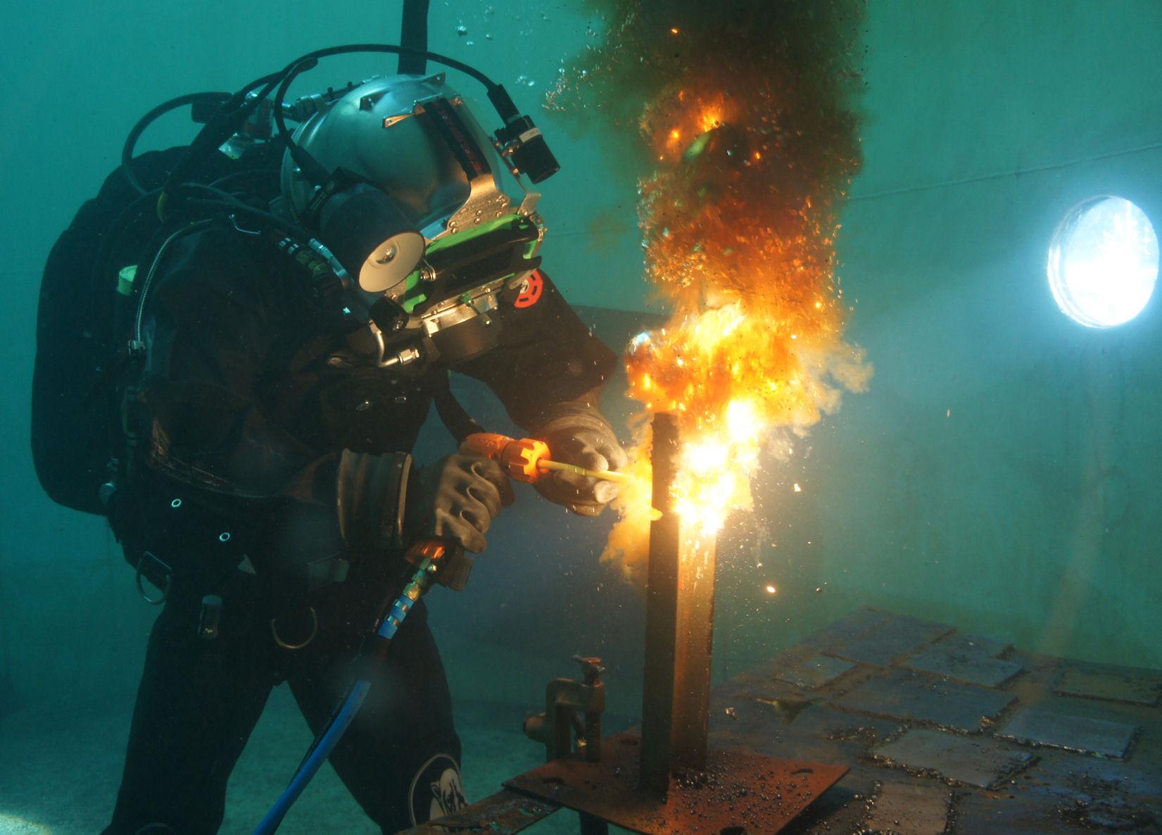 Soldador Subaquático - umas das profissões mais rentáveis do mundo