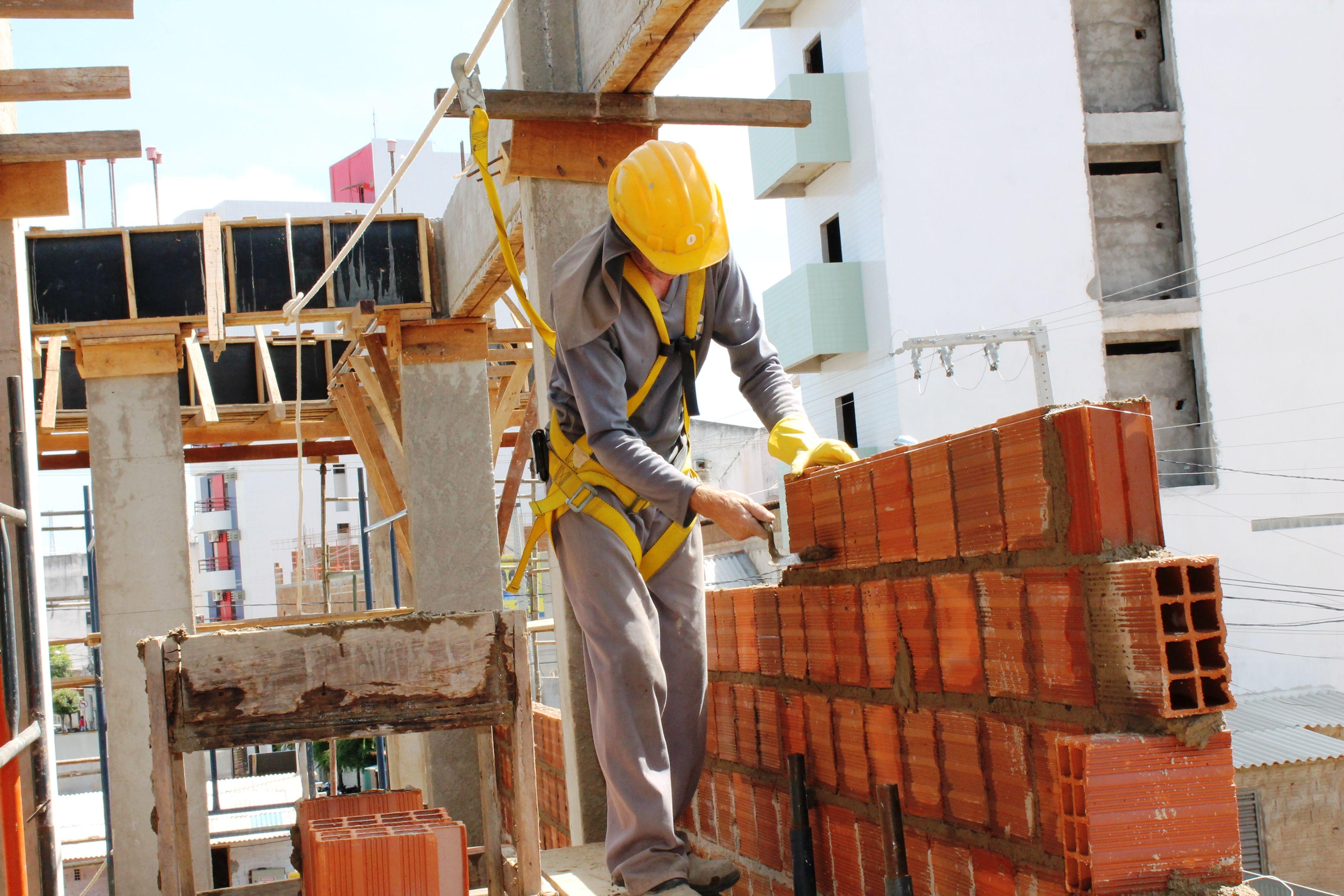 Empresa de constru o civil abriu vagas para grande obra - Material de obra ...
