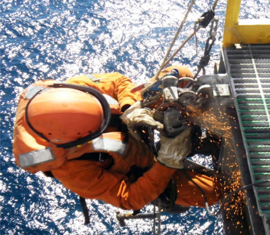 Empresa offshore vai contratar em outubro para inicio em novembro, mandem seus currículos