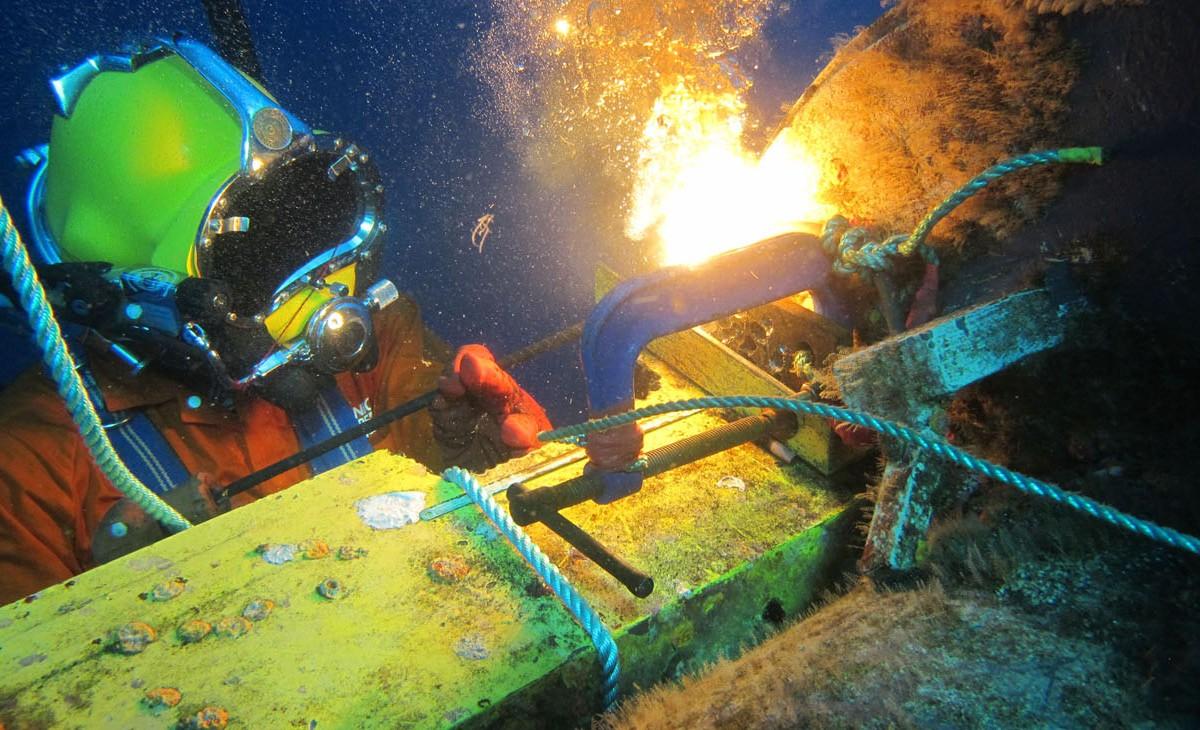 Soldador subaquático