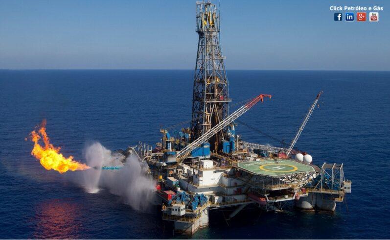 Duas offshore brasileiras estão contratando até o dia 20 para buscar plataforma no exterior