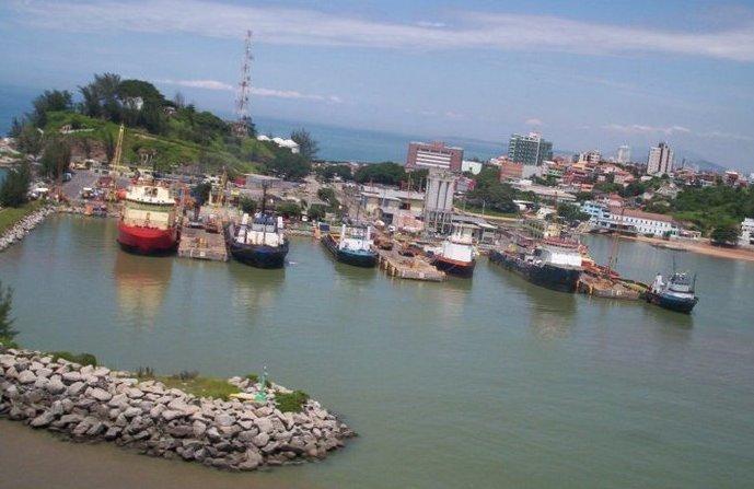 Setor de petróleo em Macaé reaquece com descomissionamentos