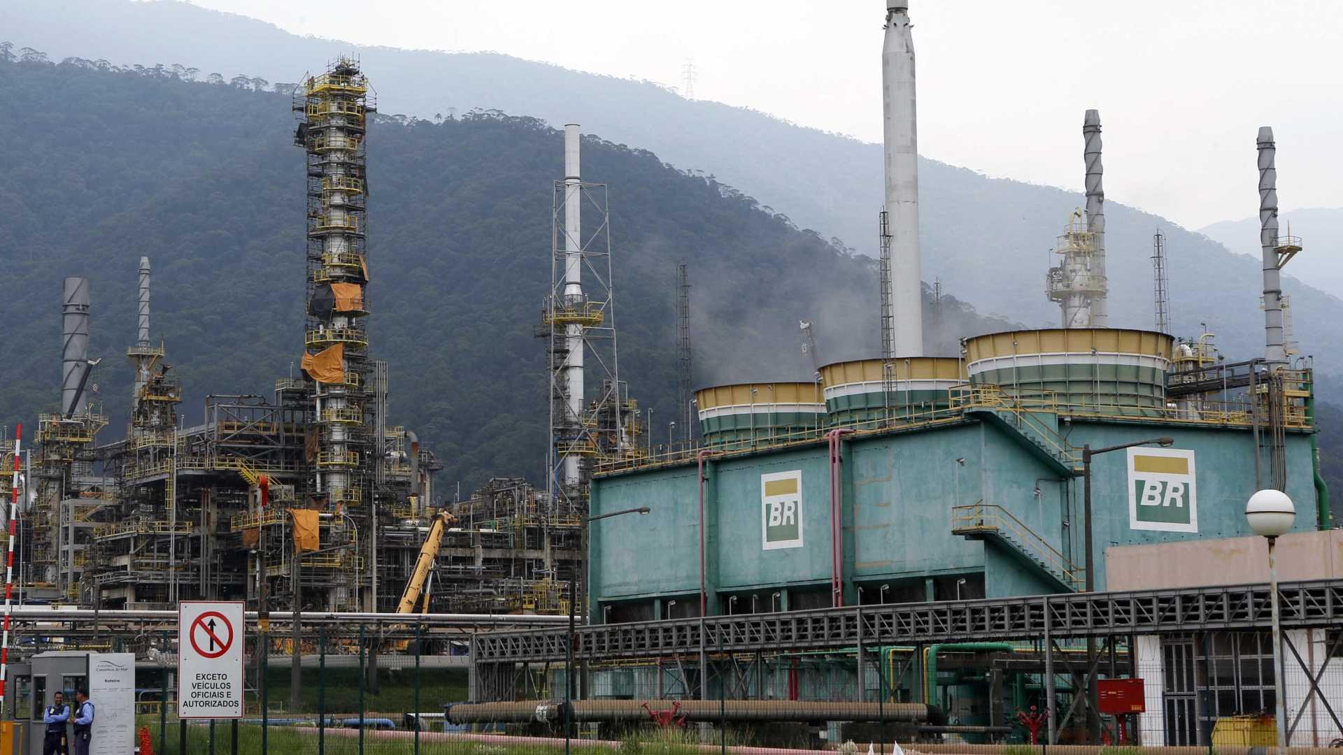 Agora é oficial: A Petrobras resolve privatizar 4 refinarias