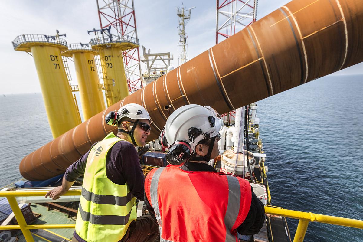 offshore macaé petróleo engeman email