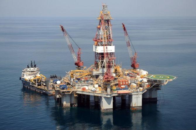 shell woodside brazil oil rig