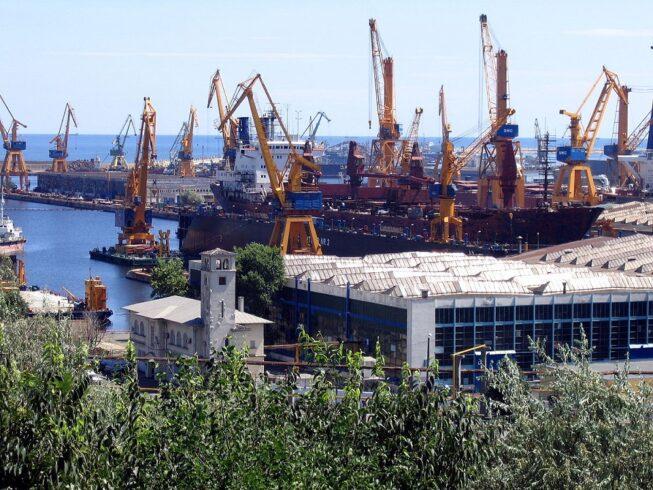 Governo da Bahia foca na retomada das operações do estaleiro Enseada
