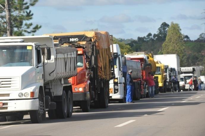 greve dos caminhoneiros governo diesel