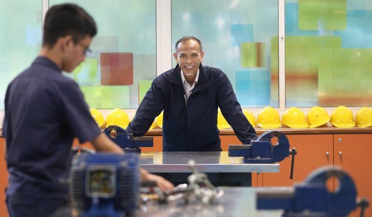 Já pensou em ministrar aulas de Mecânica em curso técnico