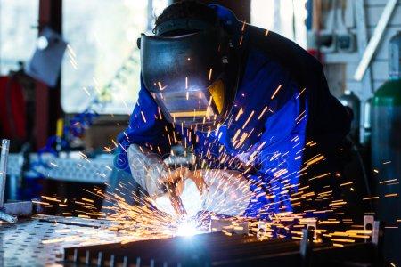 Tecnocurva busca soldadores para obras urgente