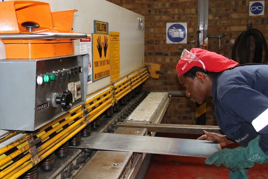 CMC inicia a semana contratando Caldeireiro Industrial