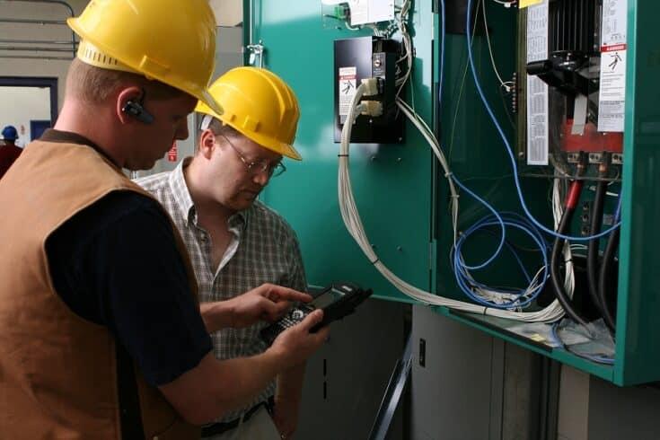 Recursos Humanos com vagas para Soldador Eletricista e Mecânico