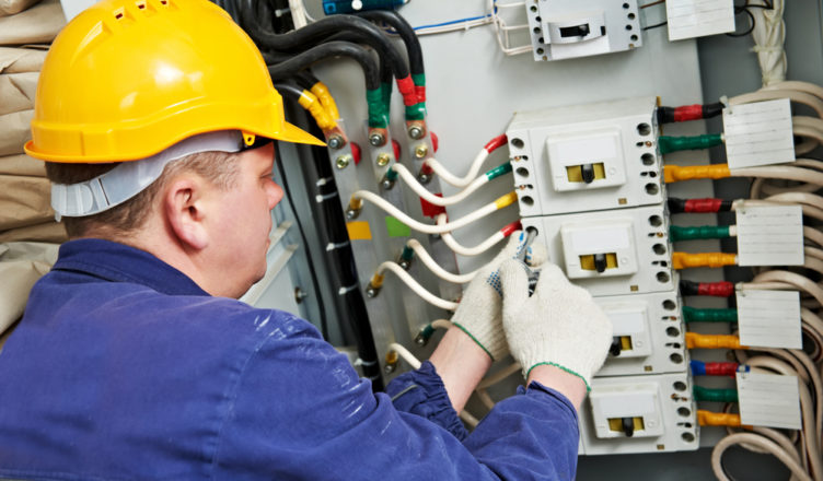 Técnico de campo elétrica