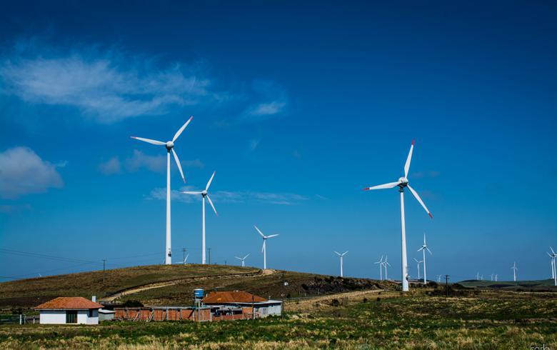 Empresa brasileira consegue obras de parque eólico para geração de 303 MW