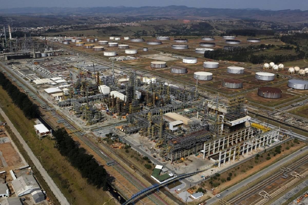 Mão de obra em refinaria da Petrobras é requisitada pela Método Potencial Engenharia