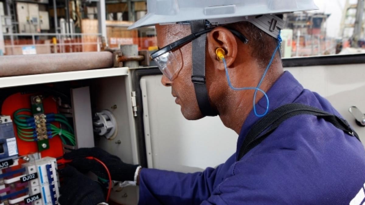 Empresa Offshore contrata profissional Eletricista