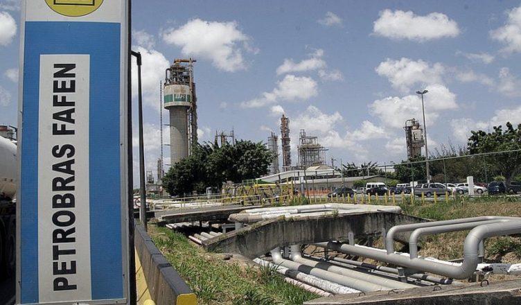 Resultado de imagem para Petrobras receberá propostas por Fafens até 22 de junho