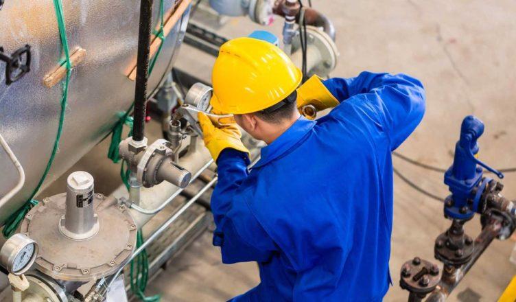 Eletricistas, estagiários e Supervisores