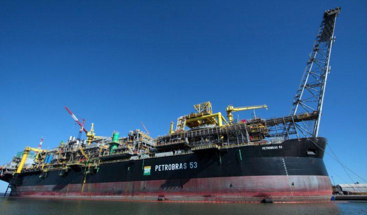 Petrobras esconde vazamento de petróleo