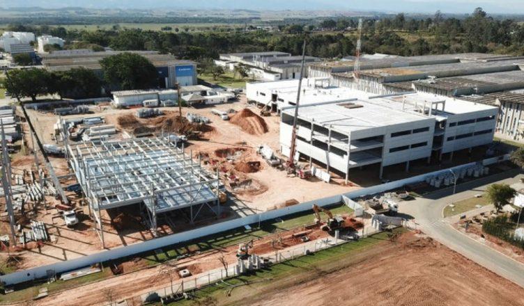 Resultado de imagem para Expansão em fábrica da Embraer gera 600 vagas de emprego