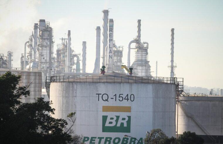 refinaria de SP retoma produção alta