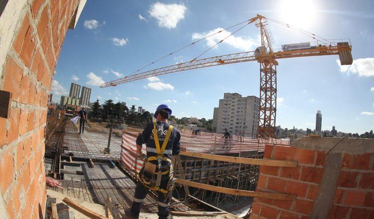 Construção civil apresenta sinais de retomada refletindo na geração de empregos