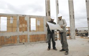 Precon contrata profissionais para diversas posições