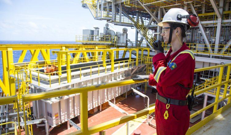 Petroserv vagas de emprego offshore Macaé