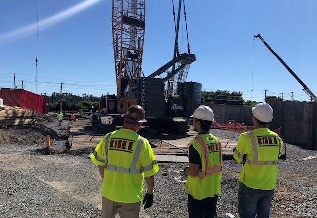Técnicos e Engenheiros requisitados para obras de construçao civil e industrial pela Hill Internacional