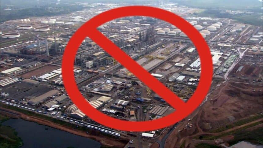 Comperj Petrobras Refinaria CNPC obra