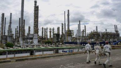 Petroquímica com vagas de emprego para técnicos em Química