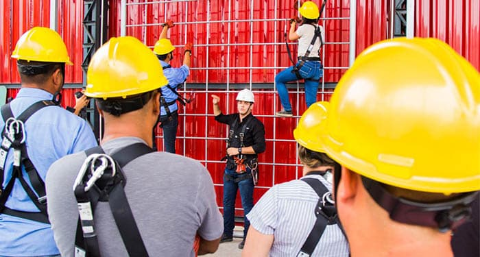 Companhia reconhecida do ramo da eletricidade convoca candidatos com nível técnico em Segurança do Trabalho para processo seletivo no RJ
