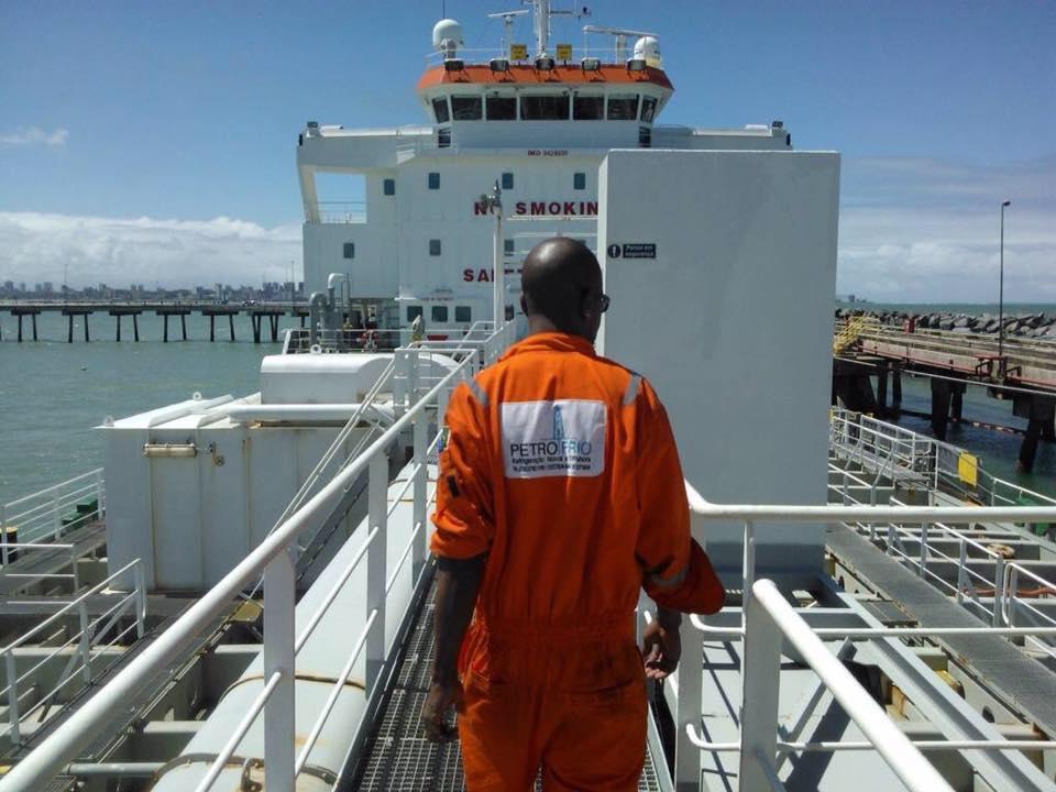 Especialista em HVAC-R Naval e Offshore com vagas de emprego para profissionais de elétrica no RJ hoje, 9 de janeiro