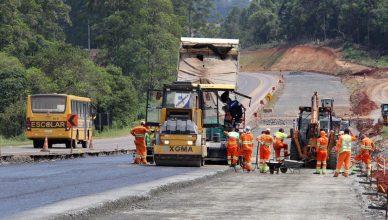 Processo seletivo aberto por empresa de construção civil demanda profissionais de ensino fundamental e médio em SC