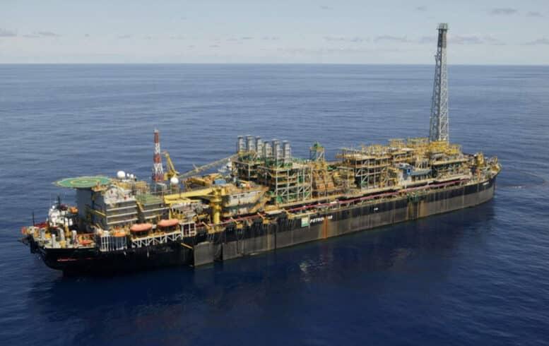 Petrobras mira aquisição de fatia da Equinor em blocos offshore no Espírito Santo