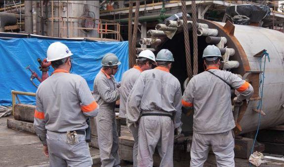 Técnicos são convocados por empresa de grande porte do setor de óleo e gás para atender parada de manutenção em SP