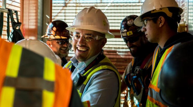 Muitas vagas de emprego para engenheiros (civil, instrumentação, processos, elétrico), torneiro mecânico, técnicos, auxiliares, ajudantes, analistas e mais, neste dia 24
