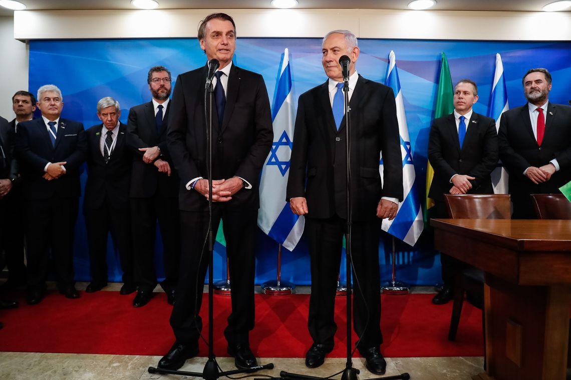 """Bolsonaro fecha parceria com Israel para construção de fábrica """"que extrai água do ar"""" no Nordeste"""
