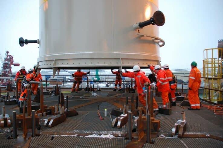 Multinacional de recrutamento abre processo seletivo para embarque imediato em plataforma de perfuração