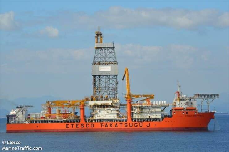 Entenda o funcionamento de um navio-sonda e como é possível alcançar os poços submarinos de petróleo