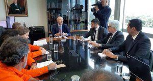 Acordo entre Petrobras e petroleiros põe fim à greve que durou 20 dias