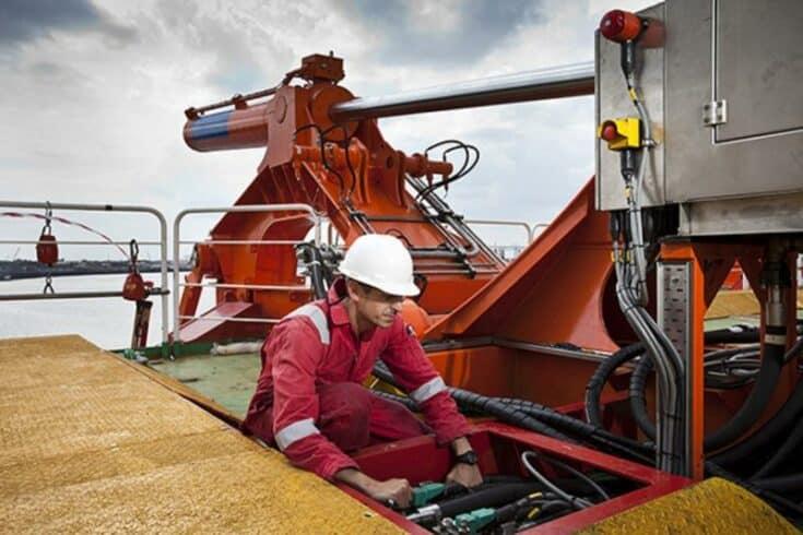 Contratos de óleo e gás para navio tanque com previsão de embarque no dia 19 de março demanda vagas de emprego offshore no RJ
