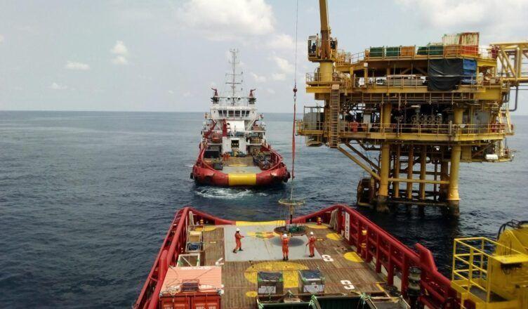Para atender contratos em Macaé a terceirizada prestadora de serviços no setor de óleo gás, a Engeman, abre processo seletivo para vagas offshore