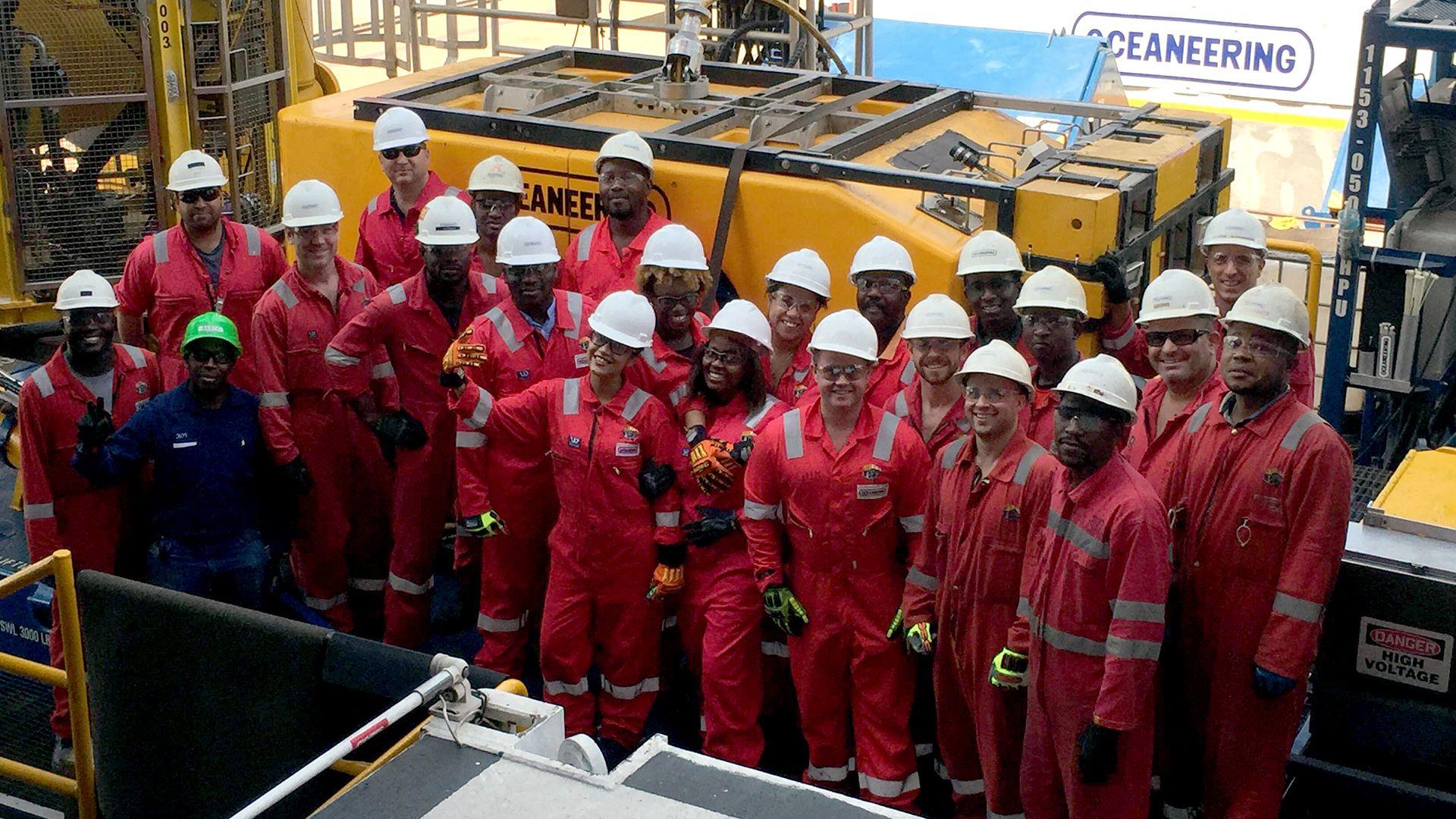 A multinacional americana líder de prestação de serviço de engenharia no setor offshore da indústria de óleo e gás Oceaneering busca hoje por técnicos para Macaé