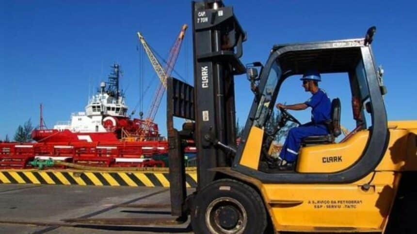 Vagas de emprego em indústria para Operador de Empilhadeira e de Máquinas hoje, 30 de março