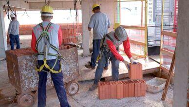 A semana encerra com vagas de emprego para trabalhar em obras de construção civil