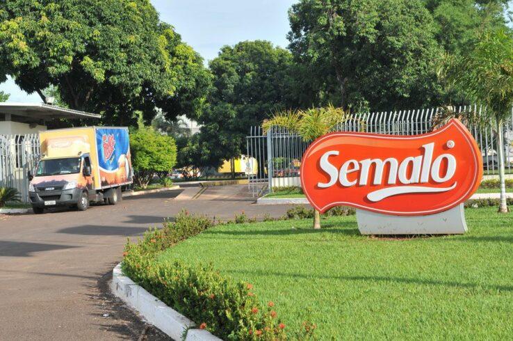 Apesar de quarentena por coronavírus, fábrica da Semalo mantém mais de 200 funcionários trabalhando por 10h
