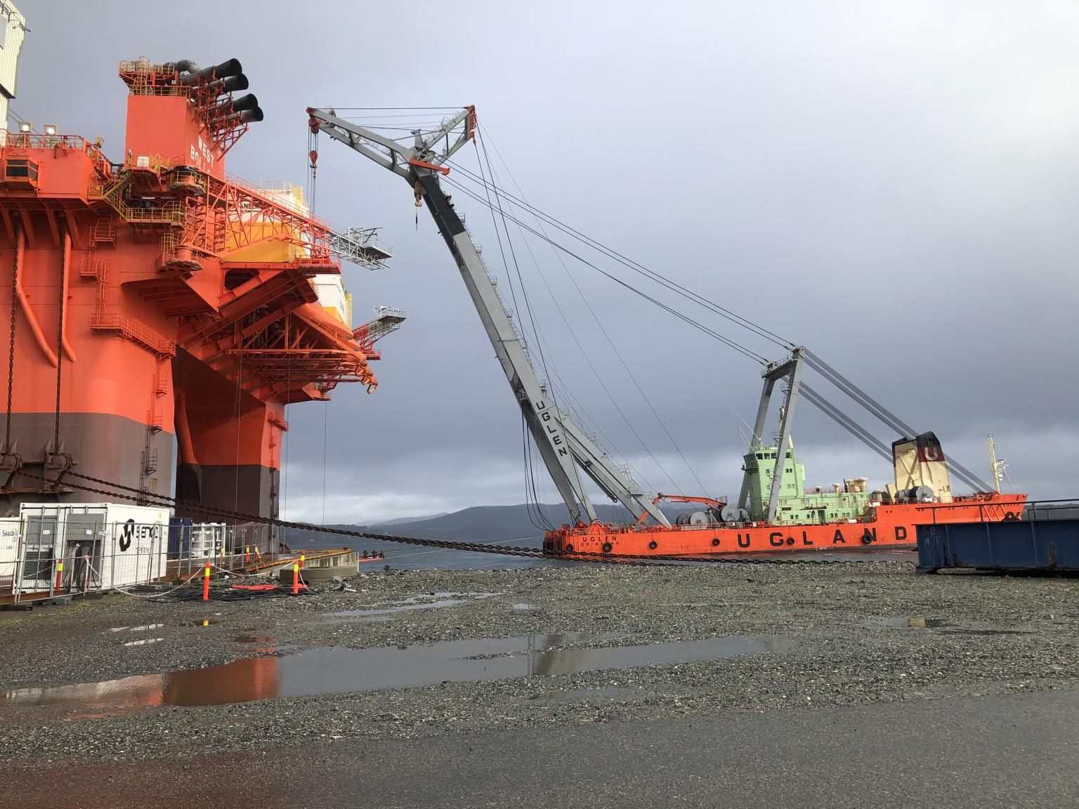 Para vagas offshore em Macaé agência marítima contrata URGENTE Marinheiros de Convés, hoje 14 de abril