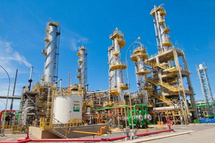 Petrobras: 357 funcionários de campos hibernados são transferidos para refinaria